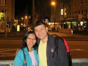 Pasangan Traveling Sejati