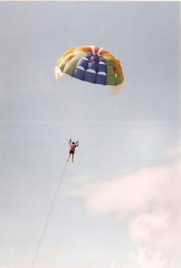 Horee... terbang melayang..
