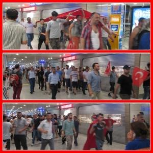 Parade warga TTurki masuk bandara, sebagian membagikan air minum